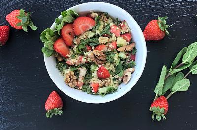mikro+ Erdbeeren Couscous Salat